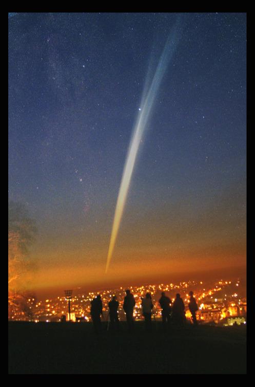 ricostruzione di come potrebbe  o meglio vorremmo ,si manifestasse la cometa ISON  fonte:http://waitingforison.wordpress.com