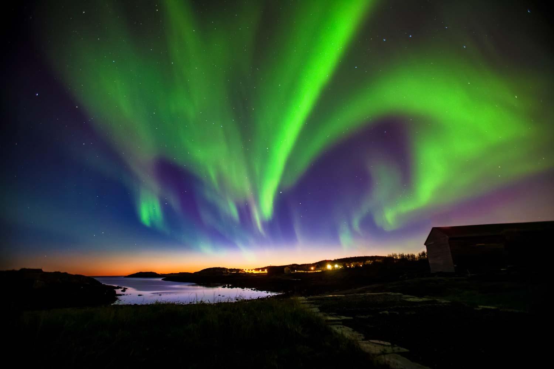 aurora boreale esploriamo l 39 universo. Black Bedroom Furniture Sets. Home Design Ideas
