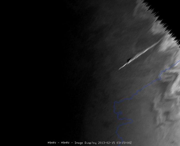 scia del bolide ripresa dal meteosat 10. Copyright 2013 © EUMETSAT)