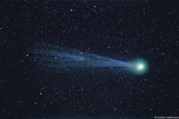 Cometa Lovejoy sempre fotografata da Cristian Fattinnanzi il 15 gennaio 2015. Integrazione di 8 pose da 2 minuti a 1600 iso con Canon 5d3 e obiettivo 400mm F2,8 chiuso a F4. Notare l'evoluzione della coda.