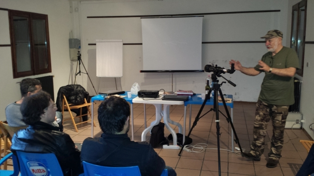 Momento della conferenza di Adriano Lolli dedicata al controllo con metodo interferometrico dei telescopi e collimazione con stella artificiale