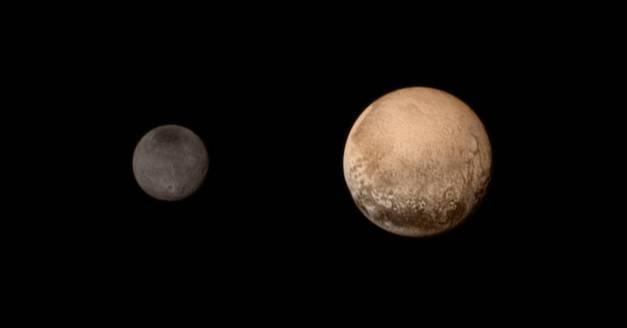 Plutone e la luna principale Caronte